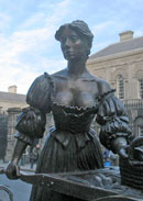 Molly Malone in Grafton Street
